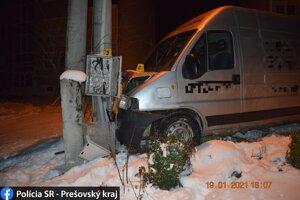 Nehoda sa zaobišla bez zranení.