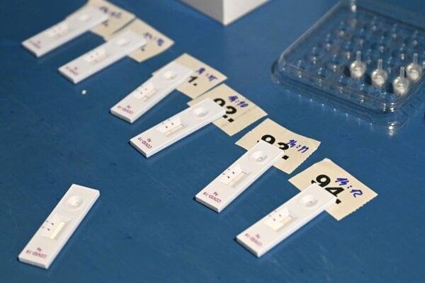 Pri požiari vo Svidníku zhorelo vyše tisíc antigénových testov.