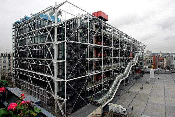 Celkový pohľad na múzeum umenia Pompidou.