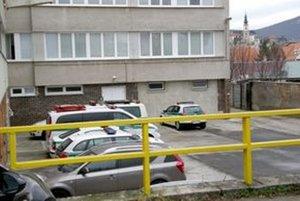 Policajt si bez dovolenia zobral auto, ktoré patrí okresnému dopravnému inšpektorátu.