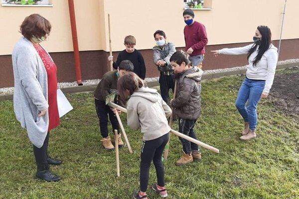 Projekt ružovej záhrady sa podarí zrealizovať vďaka finančnej podpore z Ministerstva školstva, vedy, výskumu a športu SR.