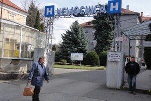 Zamestnancov nemocnice čakajú školenia z hygieny.