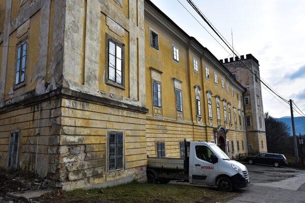 Biskupský kaštieľ v Žiari nad Hronom.