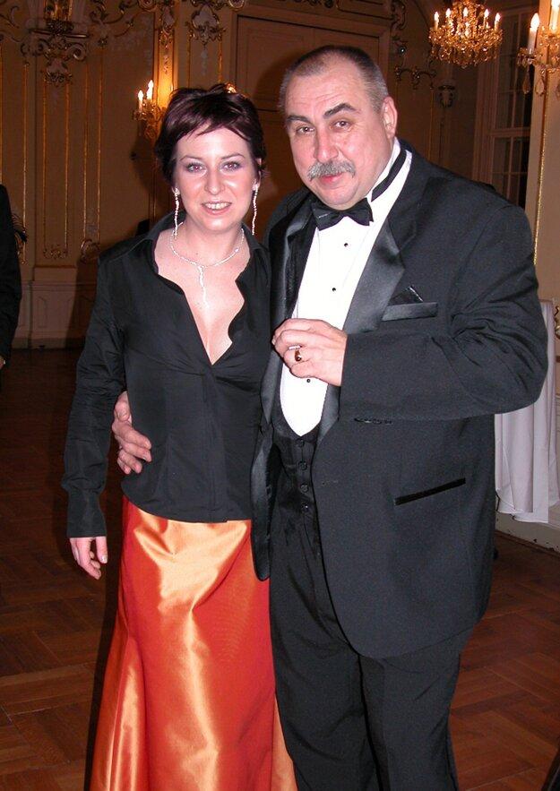 Andy Hryc s dcérou na Bratislavskom bále vo februári 2004.