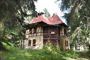 Kultúrna pamiatka kúpeľný dom Pionier je súčasťou plánov Košického samosprávneho kraja. Mal by v nej byť aj wellness.