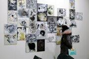 Výstava slovenských umelcov je súčasne podporou galérie.