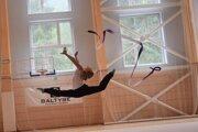 Ako bývalá reprezentantka modernej gymnastiky si Kristína vo voľnom čase rada zašportuje. Jej najobľúbenejšími aktivitami sú beh, bicykel a plávanie.