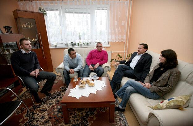 Ako podpredseda KDH navštevoval počas volebnej kampane v roku 2010 obývačky voličov.