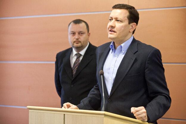 Minister vnútra SR Daniel Lipšic a poradca ministra vnútra SR Milan Krajniak, január 2012.