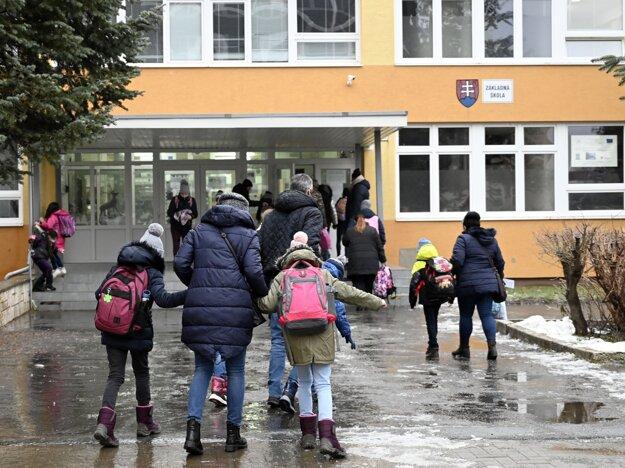Prešov otvoril všetky materské školy a základné školy pre žiakov prvého stupňa vo svojej zriaďovateľskej pôsobnosti.