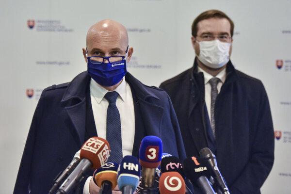 Minister školstva a minister zdravotníctva
