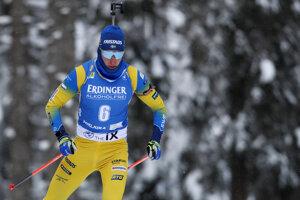 Švédsky biatlonista Martin Ponsiluoma získal zlatú medailu.