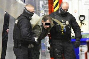 Polícia zadržala muža v obchodnom dome v Kežmarku.