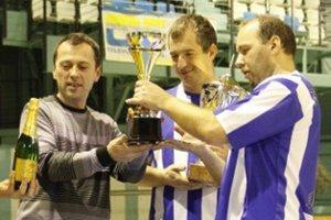 Hráči Bulldogs vo finále porazili minuloročného víťaza Megaspol a zaslúžene sa tak tešili z celkového triumfu.