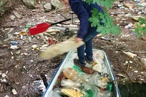 Filip Konkoľ vyzbieral pre potreby semstrálnej práce z Ružína aj Hornádu množstvo odpadu.