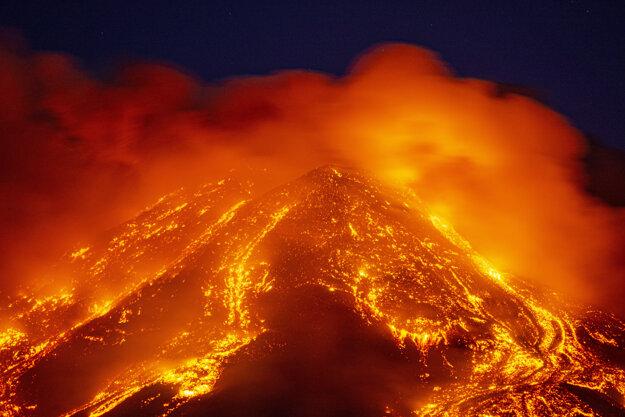 Erupcia 16 februára.