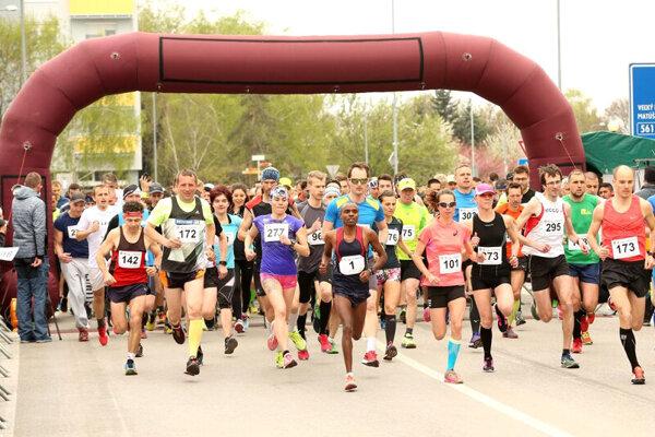 Na obľúbených pretekoch sa zvyklo zúčastniť aj viac ako 1000 bežcov (dospelých a detí spolu).