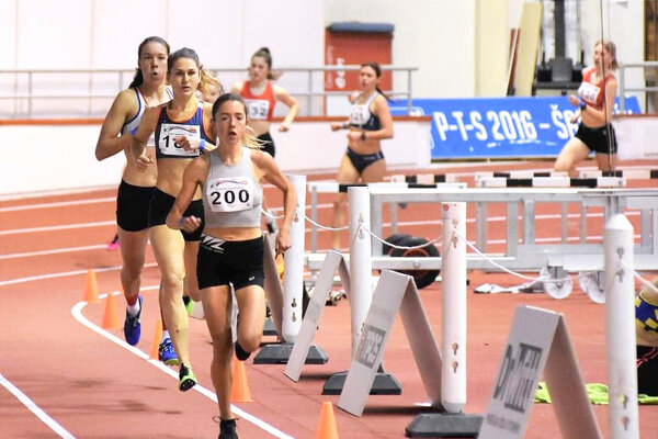 Líza Hazuchová (vpredu s číslom 200) ovládla na majstrovstvá Slovenska žien dve disciplíny.