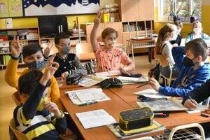 Žiaci boli konečne v škole. Aktívne sa hlásili.