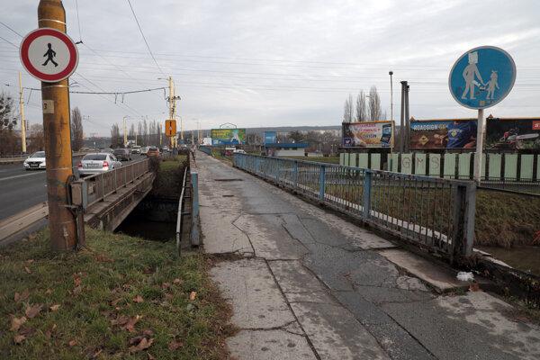 Na oprave tohto mosta sa začne pracovať už v najbližších dňoch.