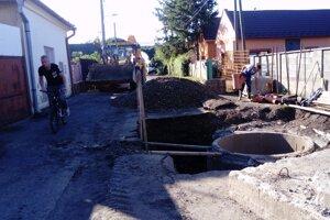 V septembri 2019 bola časť ulice rozkopaná a uzatvorená. Vodárenská spoločnosť rekonštruovala kanalizačnú prečerpávaciu stanicu a upravovala kanalizačnú sieť.