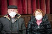 Manželia Jozef aMargita Hrompovci. Šetrné testy si pochvaľujú.