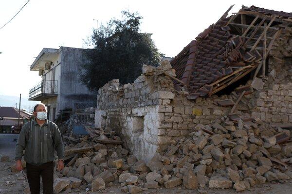 Stovky domov sú po zemetrasení zničené