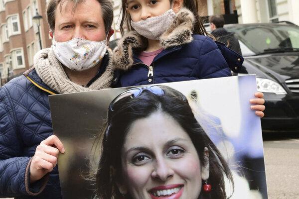 Manžel Nazanin Zaghari-Ratcliffe s dcérou.