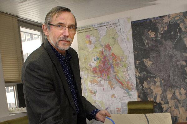 Bývalý šéfarchitekt Martin Drahovský pripomína, že rozhodnutia ÚHA stále podpisuje riaditeľ magistrátu.