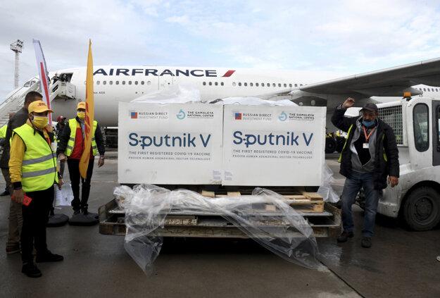 Dodávka ruských vakcín Sputnik V proti ochoreniu Covid-19 dorazila do Tuniska v lietadle spoločnosti Air France.