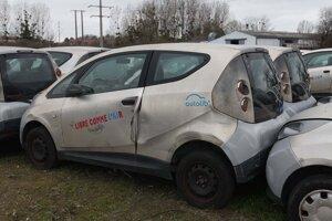 Chátrajúce elektromobily.