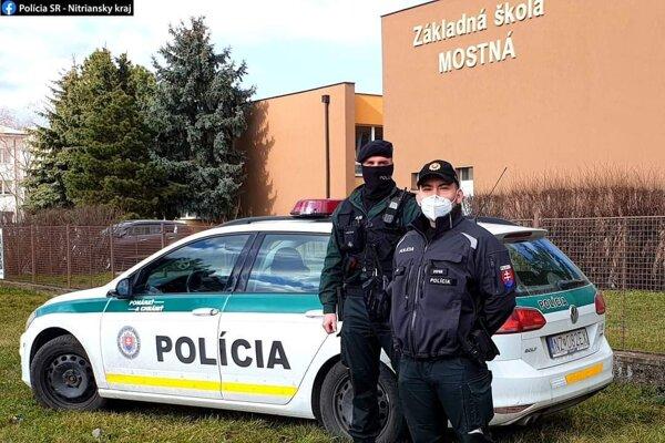 Novozámockí policajti pohotovo zasiahli pri lúpežnom prepadnutí