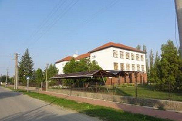 Základná škola v Diakovciach.