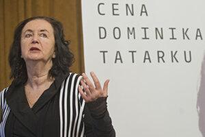 Držiteľka literárnej Ceny Dominika Tatarku za rok 2015 Irena Brežná.