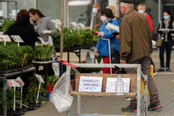 Od pondelka môžu fungovať trhoviská a tržnice.