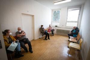 V čakárni čakáte aspoň 15 minút, ak je všetko v poriadku, môžete ísť domov.
