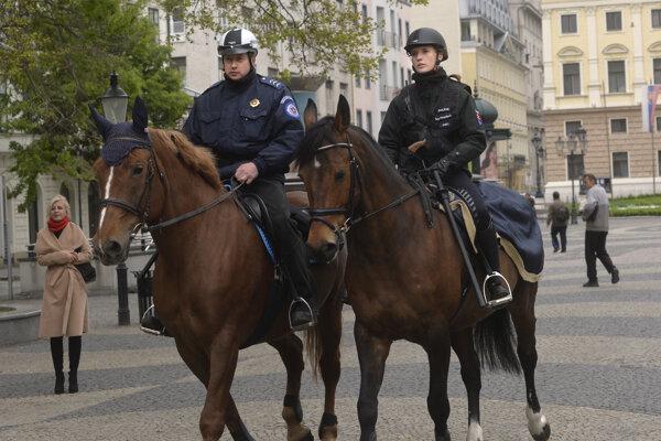 Jazdecká hliadka mestskej polície.