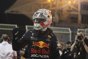 Holanďan Max Verstappen vyhral kvalifikáciu na Veľkú cenu Bahrajnu.