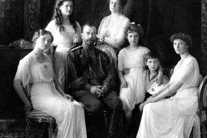 Cárska rodina Mikuláša II. - fotografia z roku 1913.