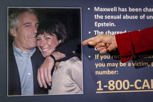 Jeffrey Epstein a Ghislaine Maxwellová.