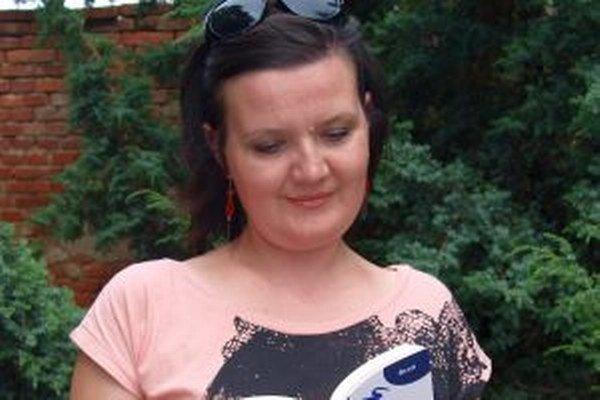 Zuzana Šedá svoju vášeň pre literatúru pretavila do svojej prvej knihy.