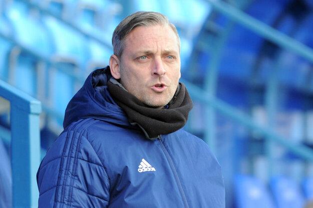 Tréner Michal Ščasný v januári povedal, že Nitra má tím na stred druhej ligy a nepodpíše sa pod jej vypadnutie. V marci sa vrátil a povedal, že aktuálny káder je už úplne iný.
