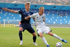 Marián Chobot má za áčko Nitry bilanciu 75 zápasov, 10 gólov a 11 asistencií. Vylepšiť si ju môže v zostávajúcich šiestich dueloch nadstavby o udržanie sa vo Fortuna lige.