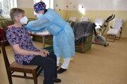Očkovanie v dennom stacionári v Nižnej Sitnici.
