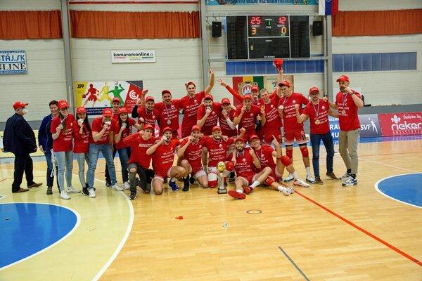 Volejbalisti UJS Rieker Komárno – majstri Slovenska vsezóne 2020/2021.