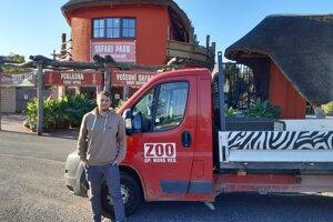 Karol Dzurik je v poradí tretím z rodiny Dzurikovcov, ktorý bude viesť najmenšiu zoo na Slovensku v Spišskej Novej Vsi.
