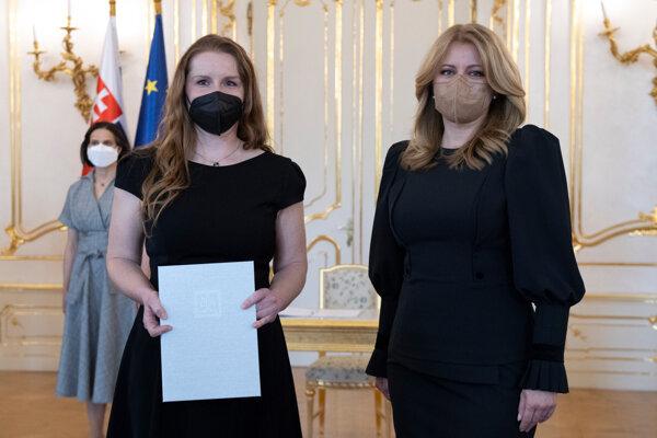 Prezidentka Zuzana Čaputová a Ivana Macková (vľavo).