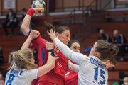 Momentka zo zápasu Slovensko - Srbsko, baráž o postup na MS v hádzanej žien 2021.