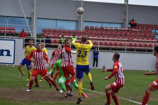 Hráči Michaloviec nestačili na súpera zo Serede.