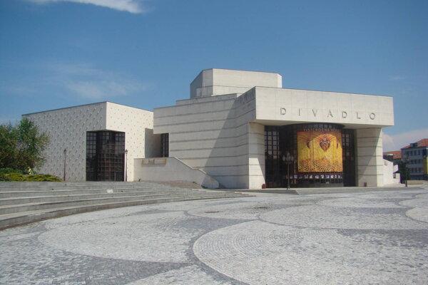 Najvyšší podiel výdavkov na kultúru dáva Nitriansky samosprávny kraj. Na snímke Divadlo Andreja Bagara, ktoré je jeho príspevkovou organizáciou.